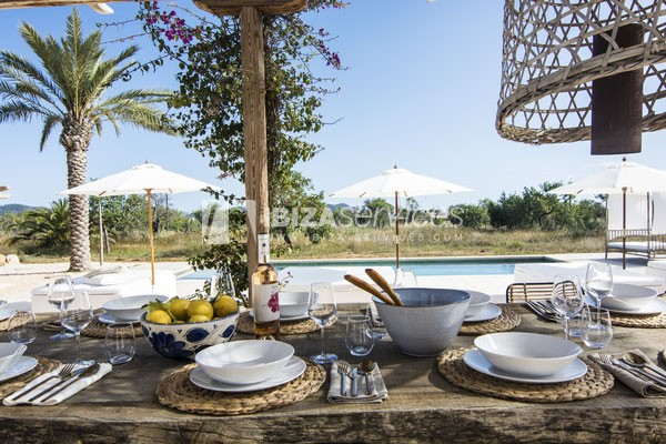 Authentic Ibiza style villa KM5 for 20 people groups perspectiva 13