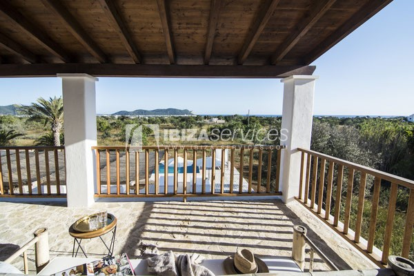Authentic Ibiza style villa KM5 for 20 people groups perspectiva 15