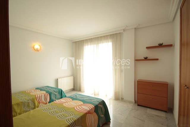 Triplex Can Misses for sale perspectiva 20