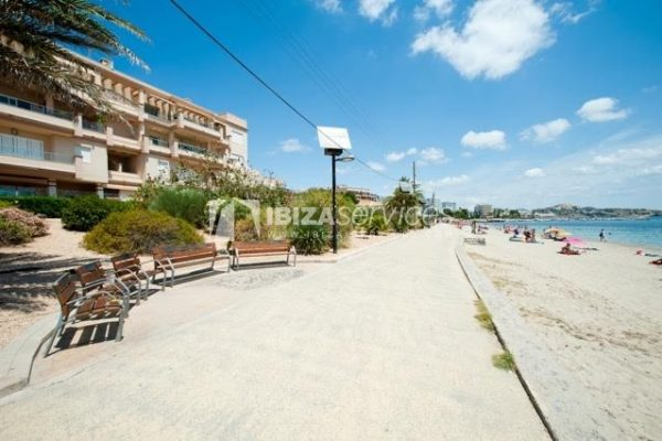 Buy 2 bedroom apartment Playa d'en Bossa