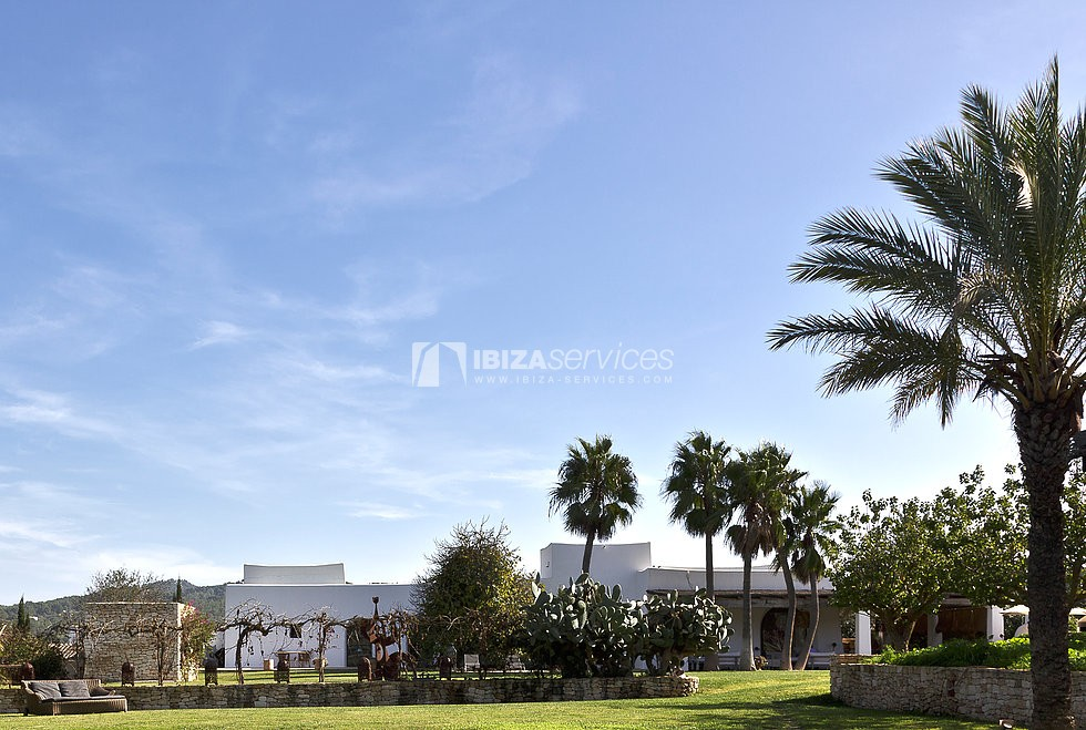Charming property on 23.000m2 of land perspectiva 1