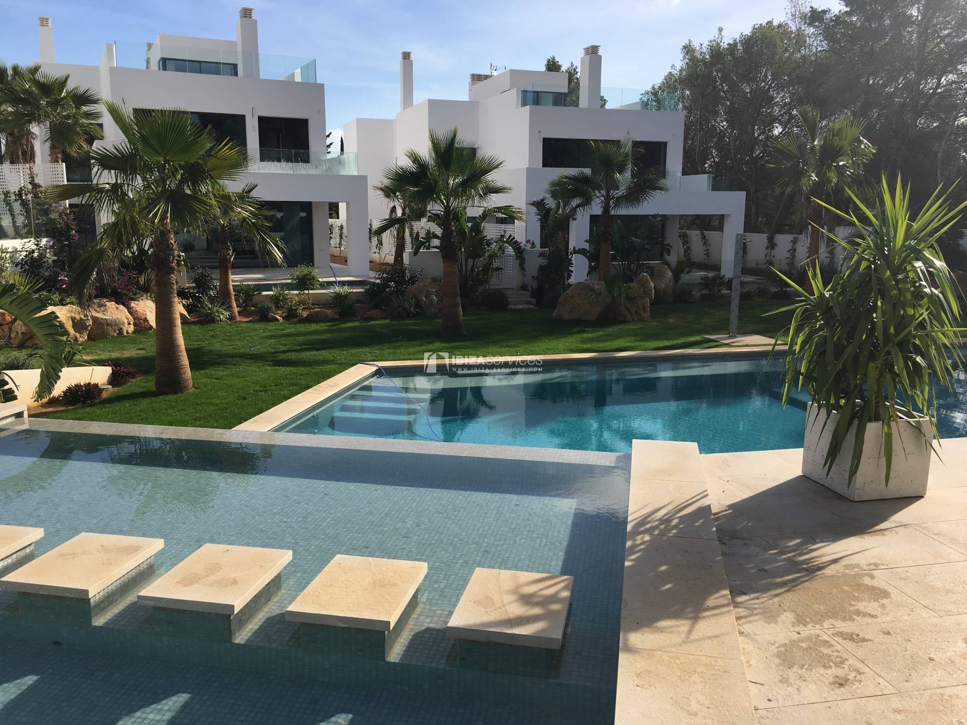 Brand new promotion modern villas Cala Lenya for sale perspectiva 4