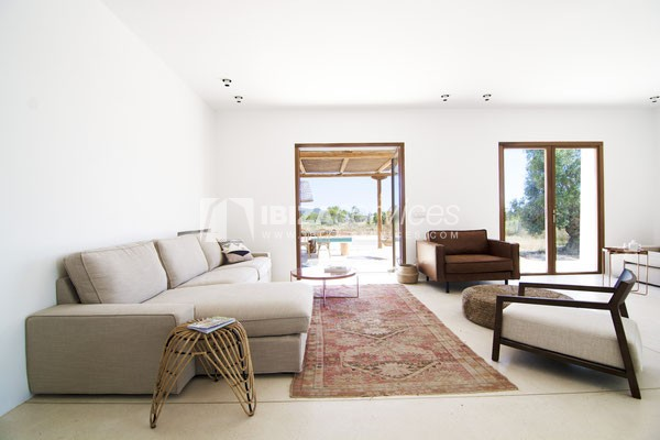 Authentic Ibiza style villa KM5 for 20 people groups perspectiva 4