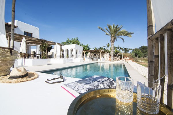 Authentic Ibiza style villa KM5 for 20 people groups perspectiva 14