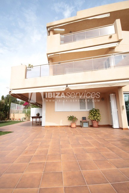Triplex Can Misses for sale perspectiva 1