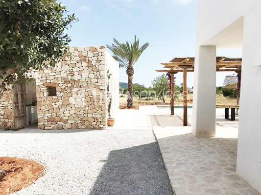 Authentic Ibiza style villa KM5 for 20 people groups perspectiva 26