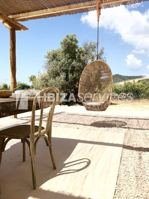 Authentic Ibiza style villa KM5 for 20 people groups perspectiva 28