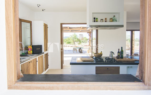 Authentic Ibiza style villa KM5 for 20 people groups perspectiva 31