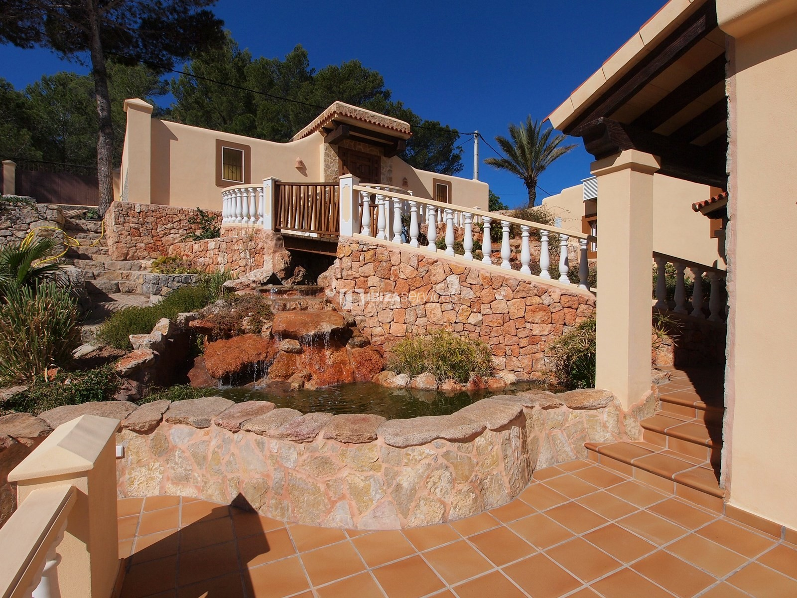 7 bedroom villa overlooking the sea Cala Moli perspectiva 4