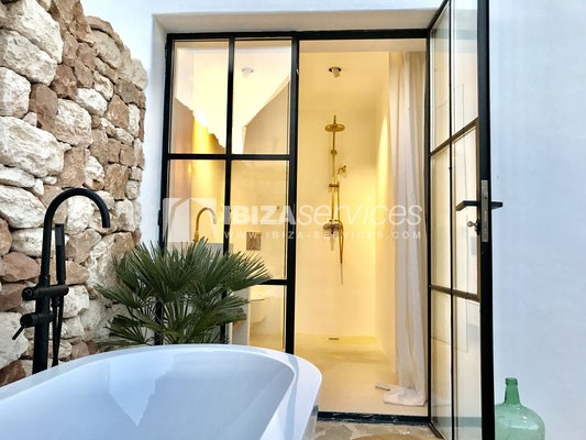 Authentic Ibiza style villa KM5 for 20 people groups perspectiva 33