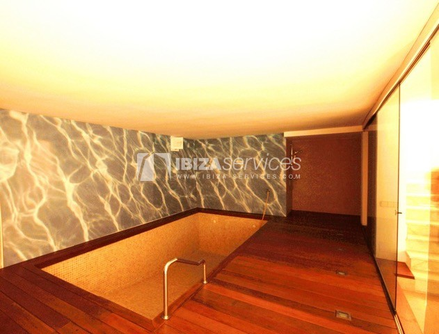 Triplex Can Misses for sale perspectiva 25