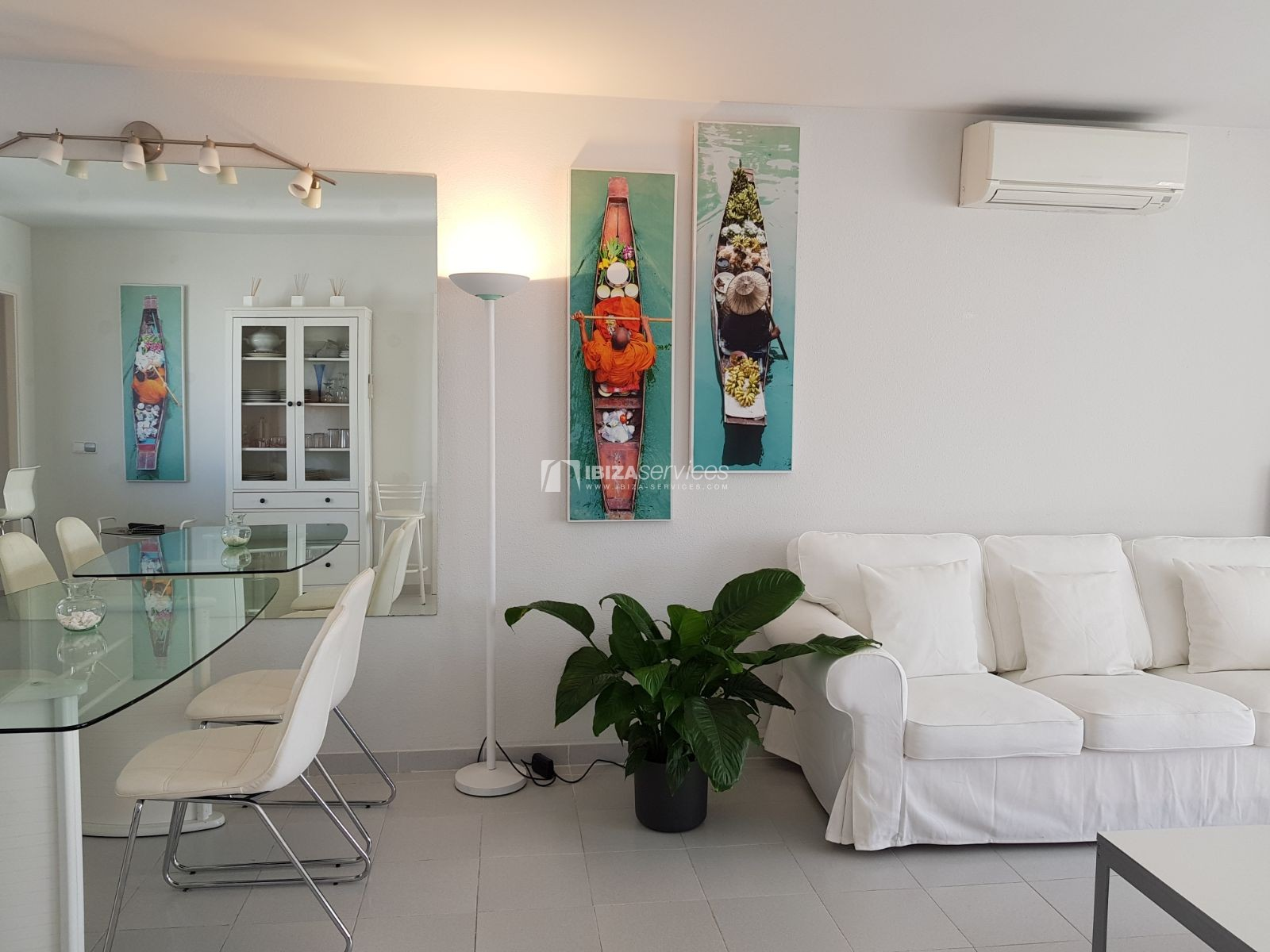 Seasonal rental 2 bedroom apartment Azteca Marina Botafoch perspectiva 5