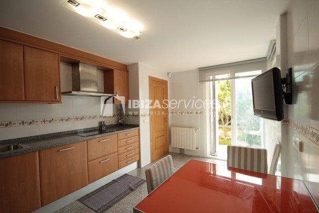 Triplex Can Misses for sale perspectiva 27