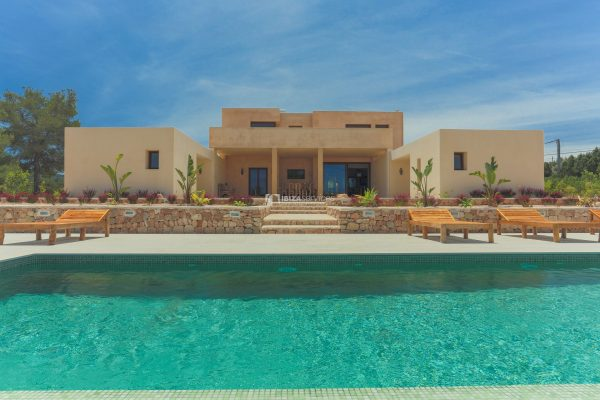 Spacious modern Villa St Agustin to rent