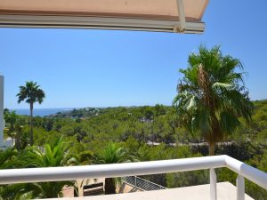 Luxury apartment with sea-views in Cala Llenya for sale