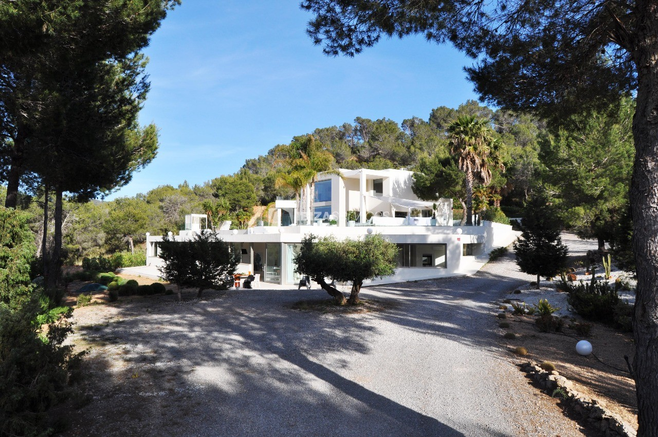 Luxury 8 bedrooms Ibiza villa Elisabeth to rent perspectiva 56
