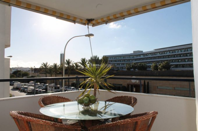 Seasonal rent 3 bedroom apartment Marina Botafoch Transat
