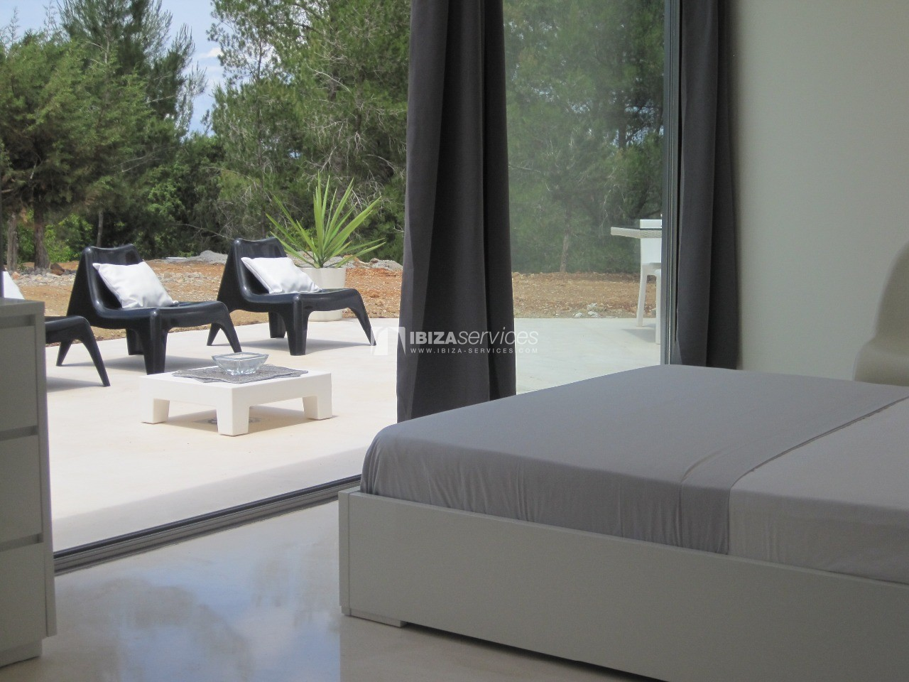 Luxury 8 bedrooms Ibiza villa Elisabeth to rent perspectiva 11