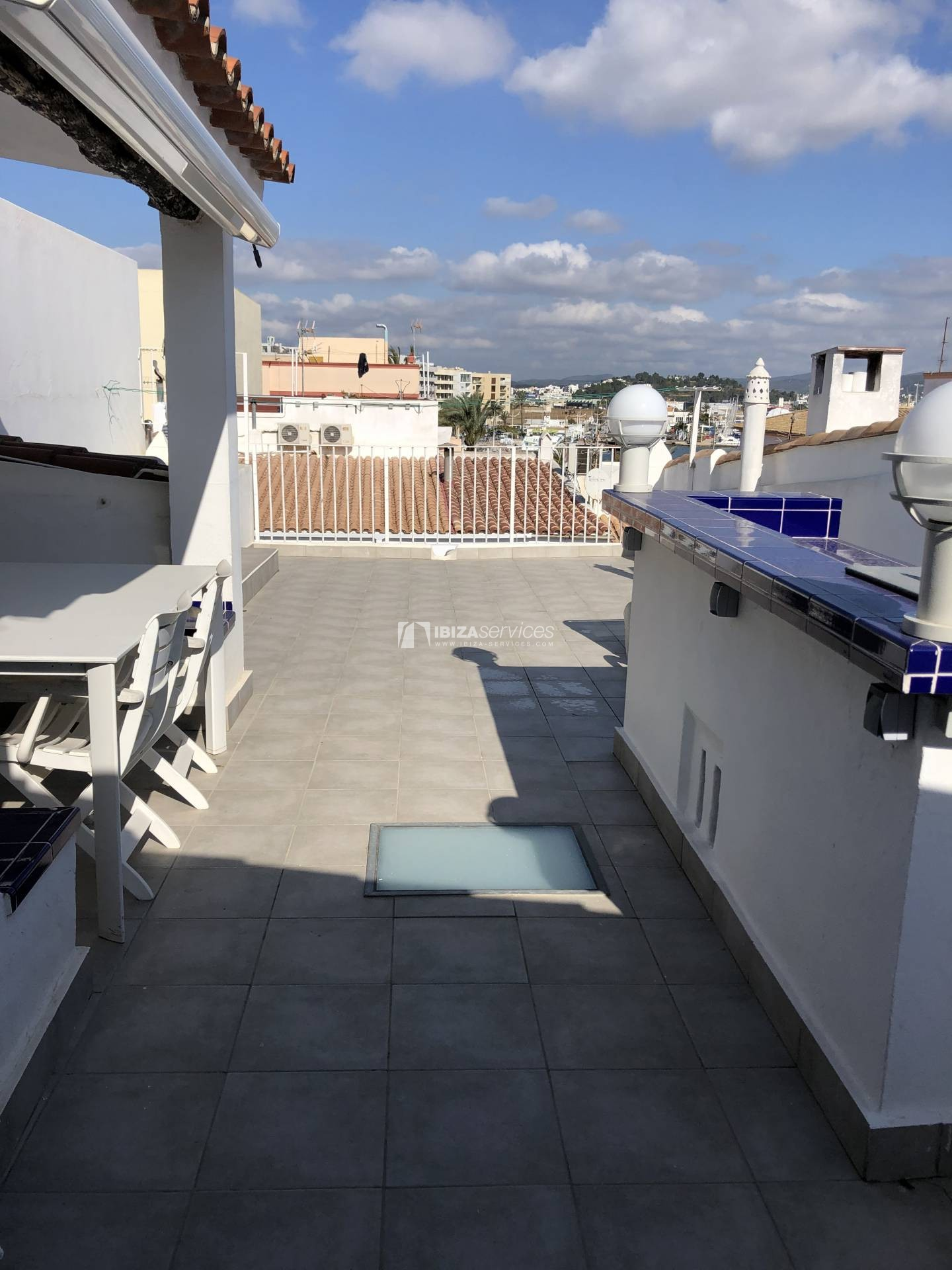 Marina Ibiza, 2 bedroom penthouse for rent perspectiva 3