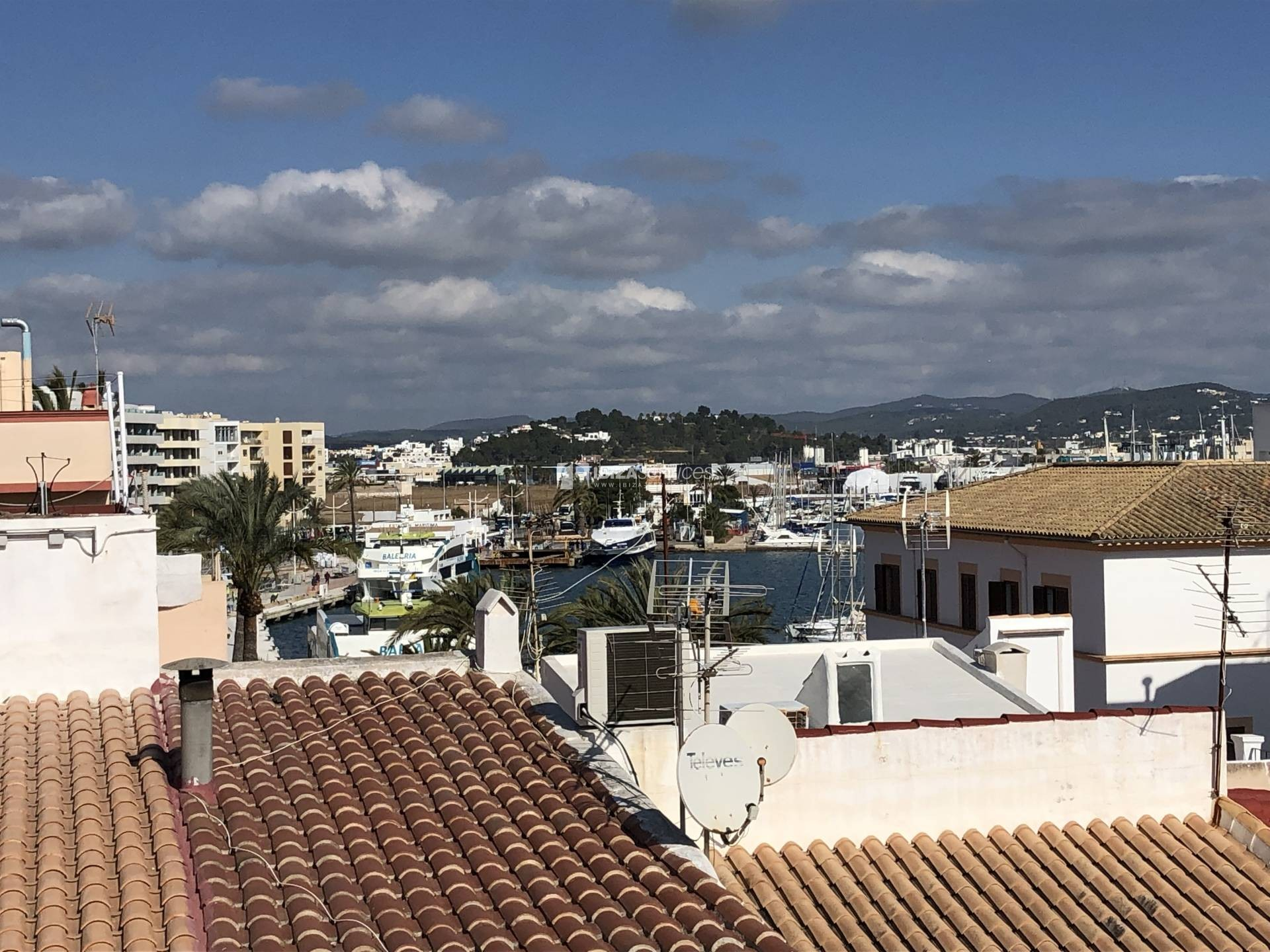 Marina Ibiza, 2 bedroom penthouse for rent perspectiva 5