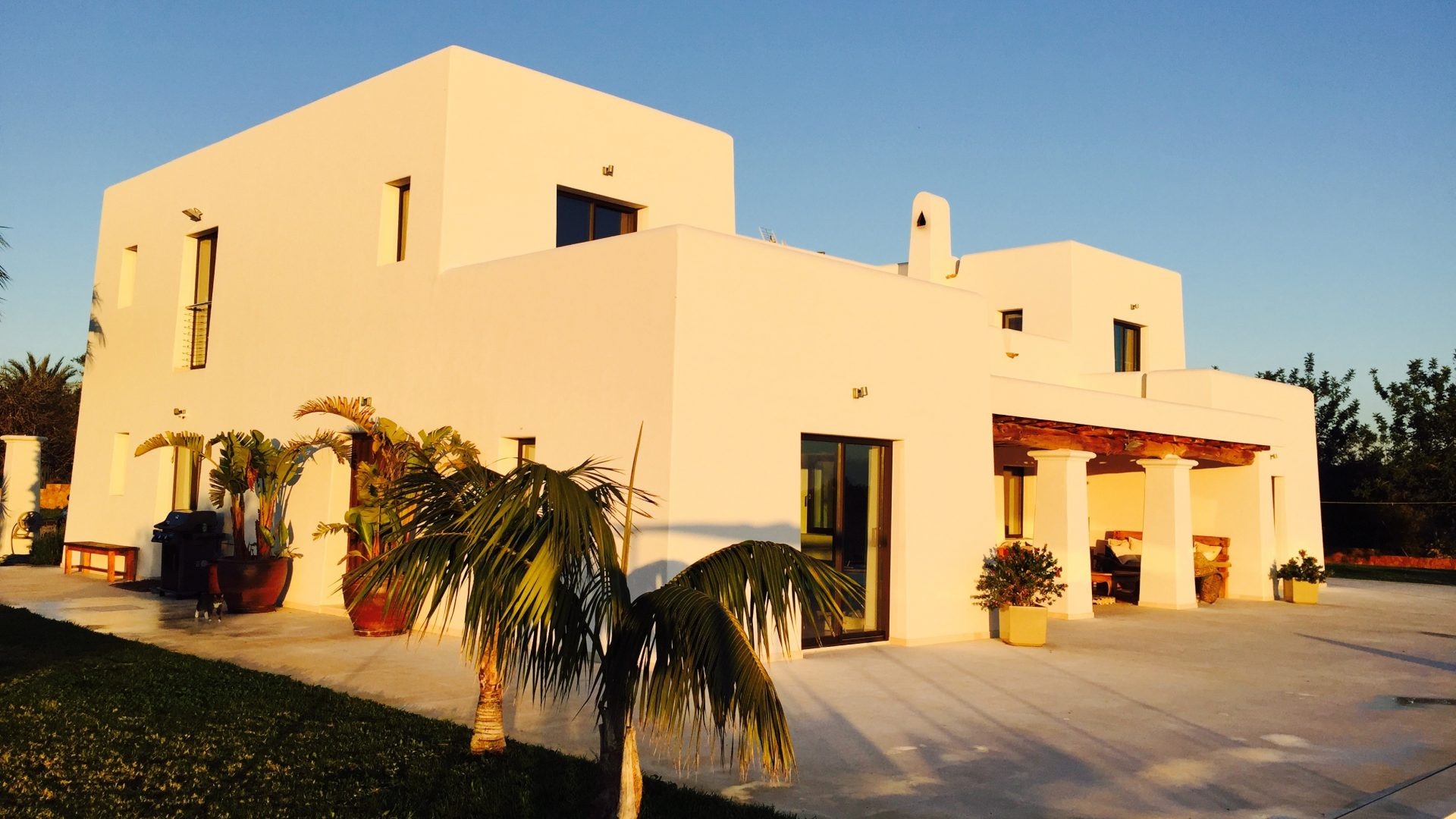 Rent 6 bedroom luxury villa K3 Ibiza