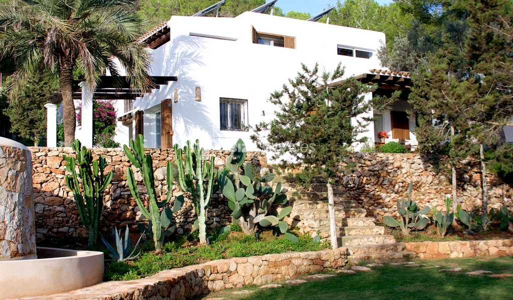 km5 Charming property for rent