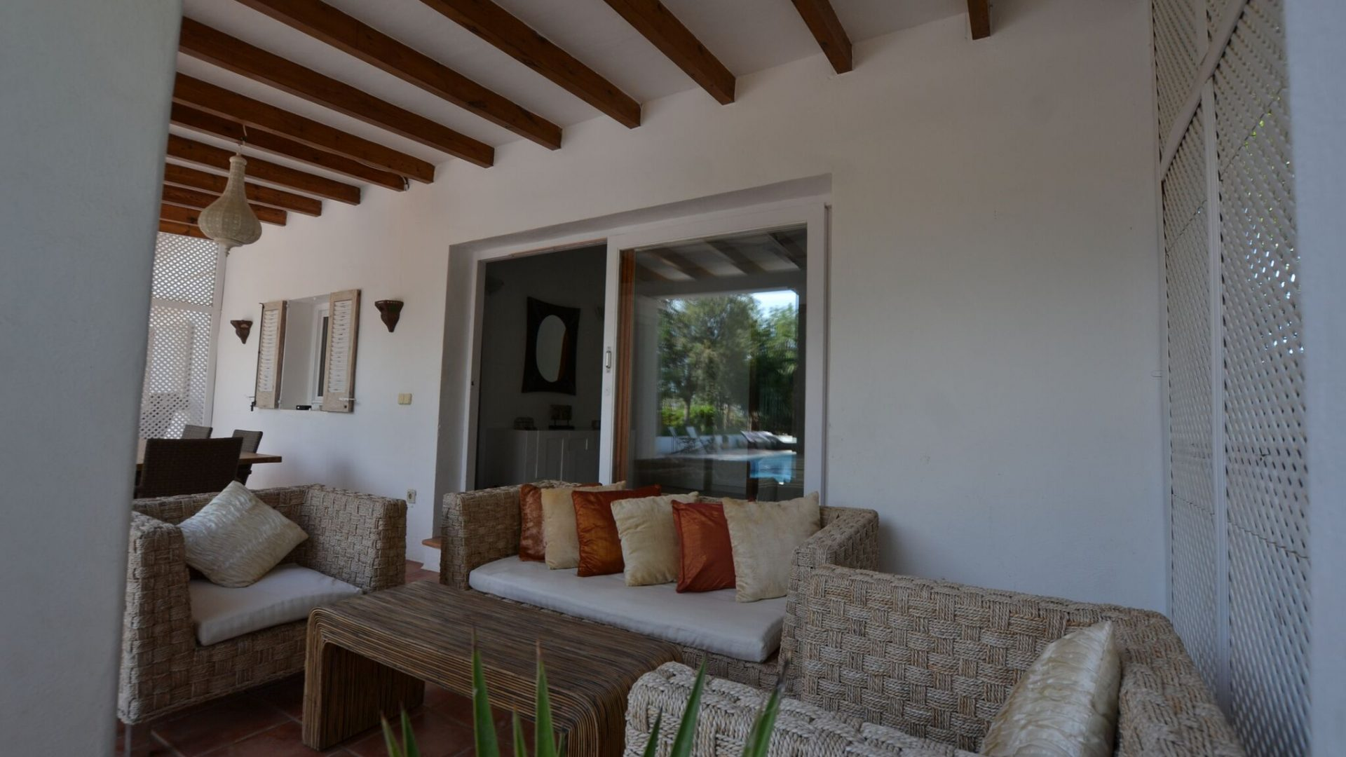 Charming villa with pool in San jordi – weekly rental