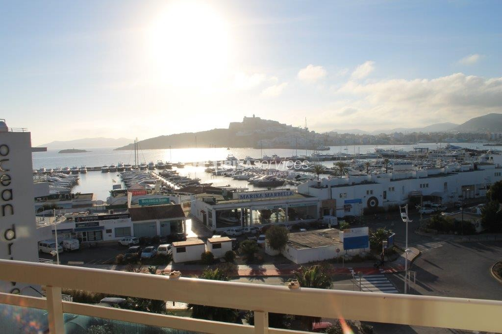 yearly rental penthouse apartment 4 bedrooms paseo maritimo Ibiza perspectiva 37