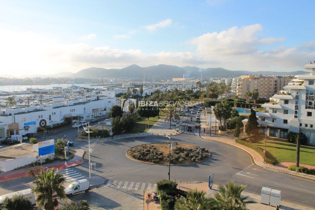yearly rental penthouse apartment 4 bedrooms paseo maritimo Ibiza perspectiva 38