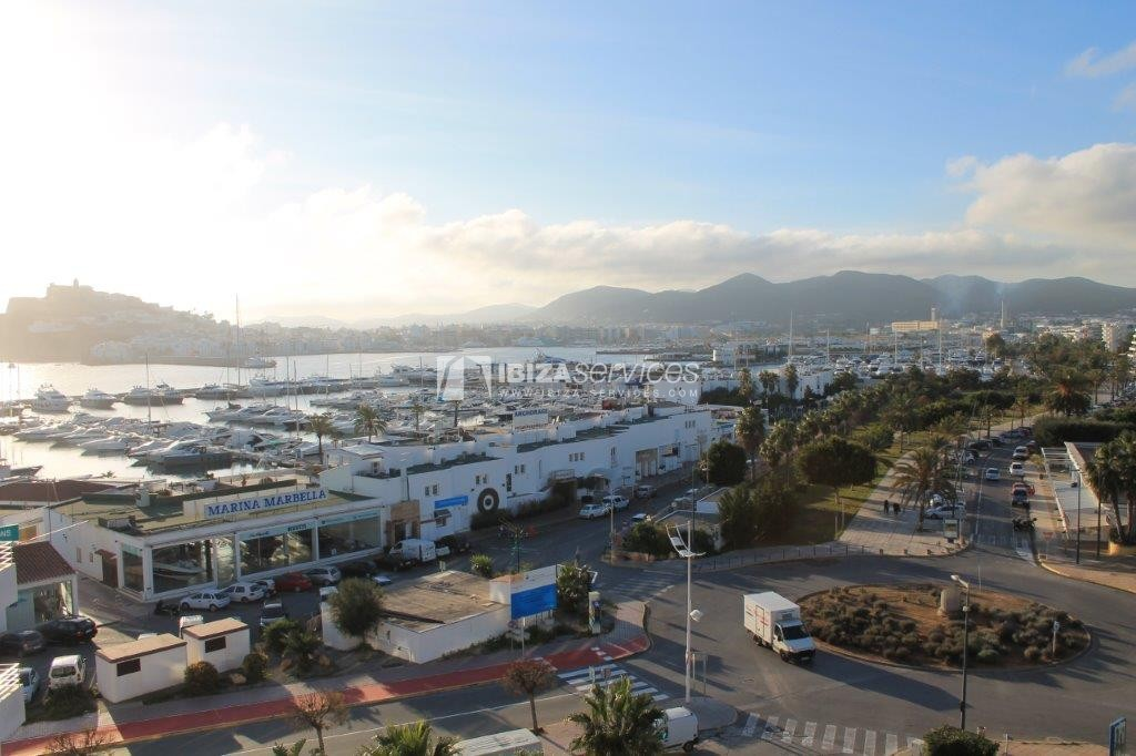 yearly rental penthouse apartment 4 bedrooms paseo maritimo Ibiza perspectiva 27