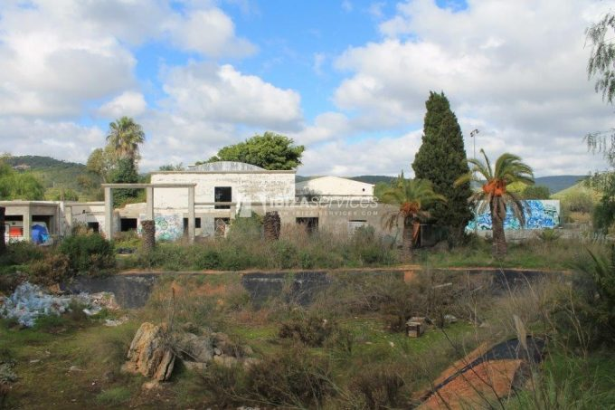 2010sqm building to reform with huge possibilities with licences close to Ibiza