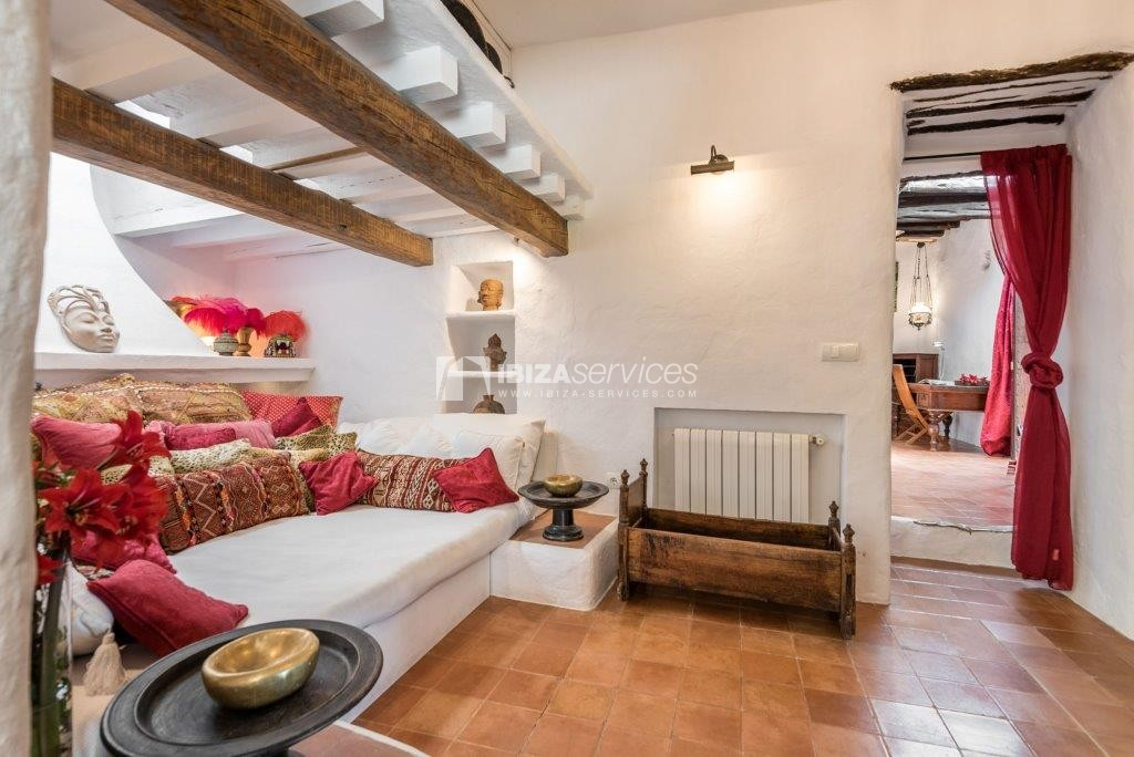 Lovely restored Finca natural beauty and elegance perspectiva 10