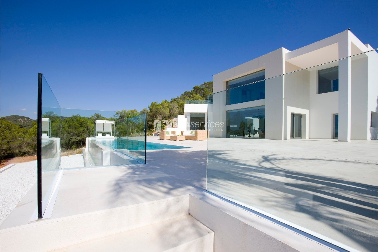 Luxury 8 bedrooms Ibiza villa Elisabeth to rent perspectiva 3