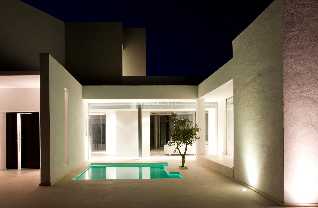 Luxury 8 bedrooms Ibiza villa Elisabeth to rent perspectiva 24