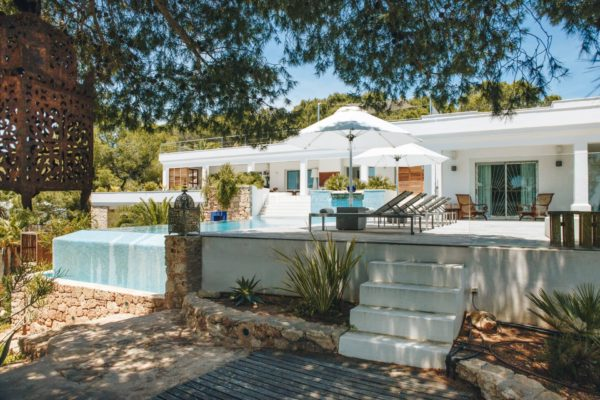Cala Jondal modern 4 bedroom villa overlooking the sea
