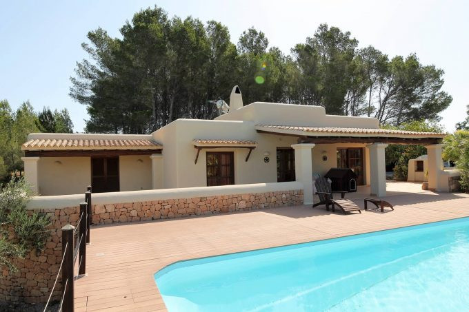 Finca style house for sale between Ibiza and St Eulalia.