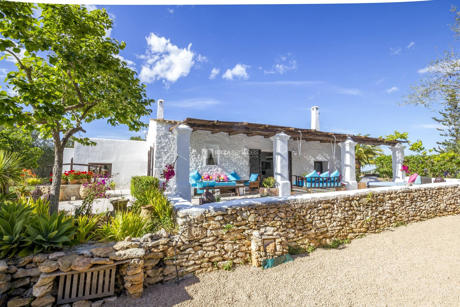 Beautifully finca located between St gertudis and San lorenzo perspectiva 4