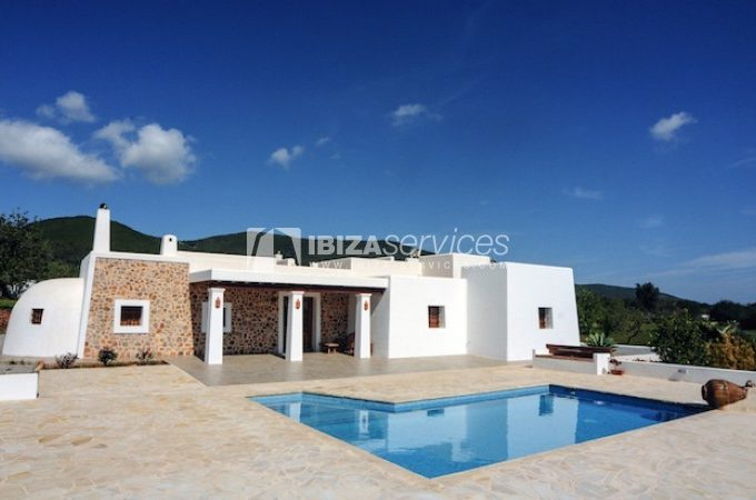 Classical Villa for yearly rental St.Carlos