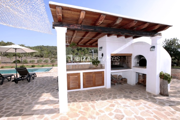 Rustic villa San Miguel 1 km from the beach perspectiva 16