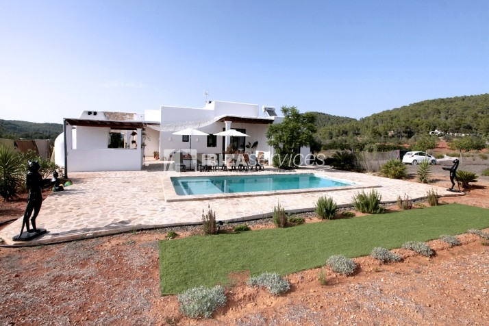 Rustic villa San Miguel 1 km from the beach perspectiva 1