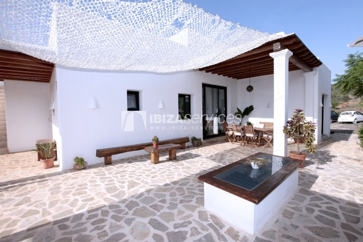 Rustic villa San Miguel 1 km from the beach perspectiva 4
