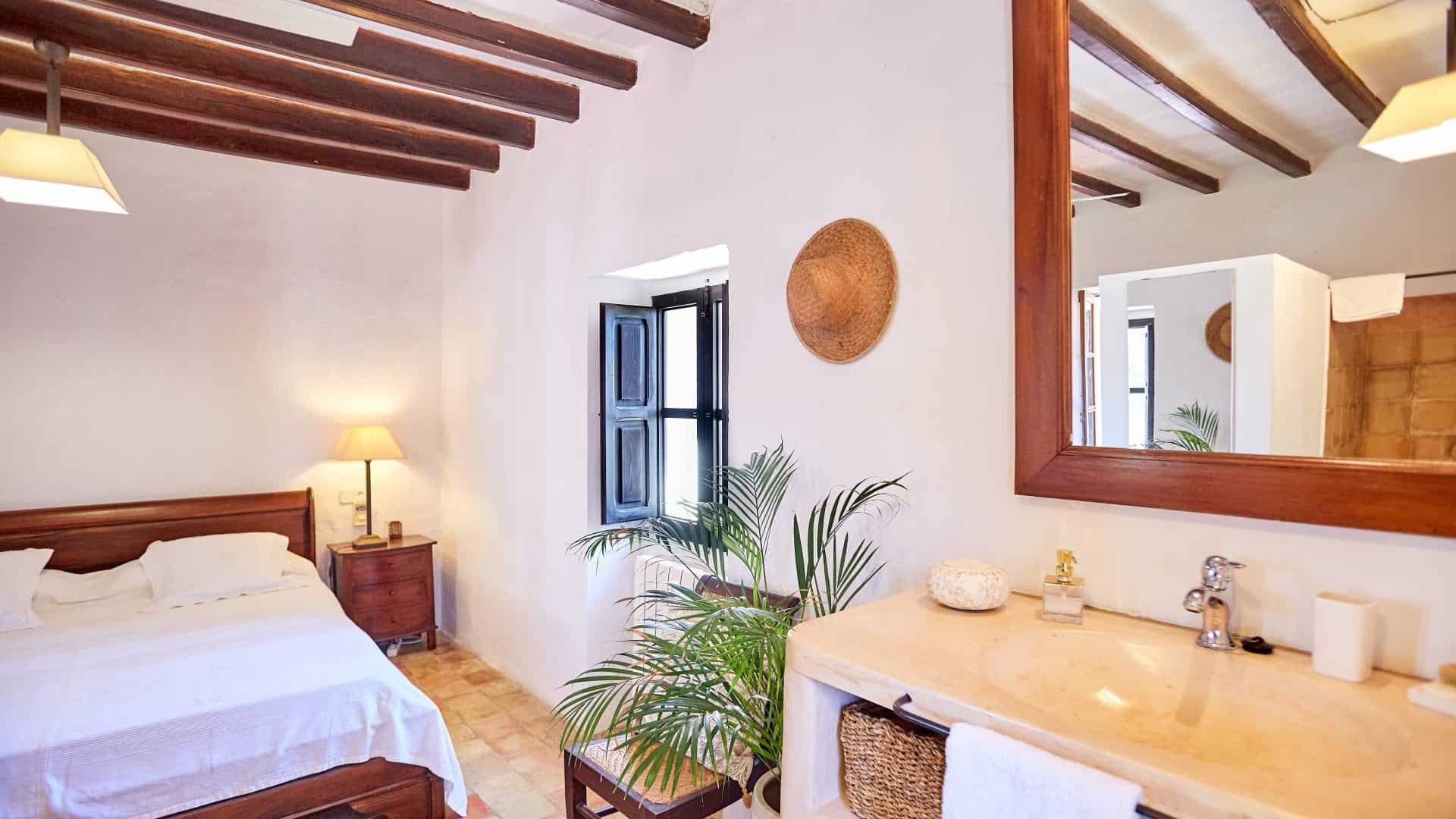 Buy an authentic finca Ibicenca country house
