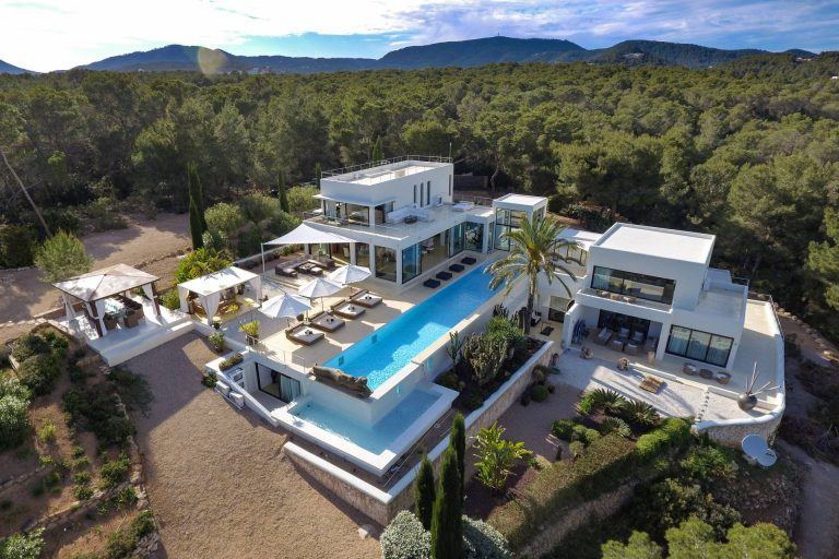 Luxury 6 bedroom holiday villa Cala Jundal close to Blue Marlin