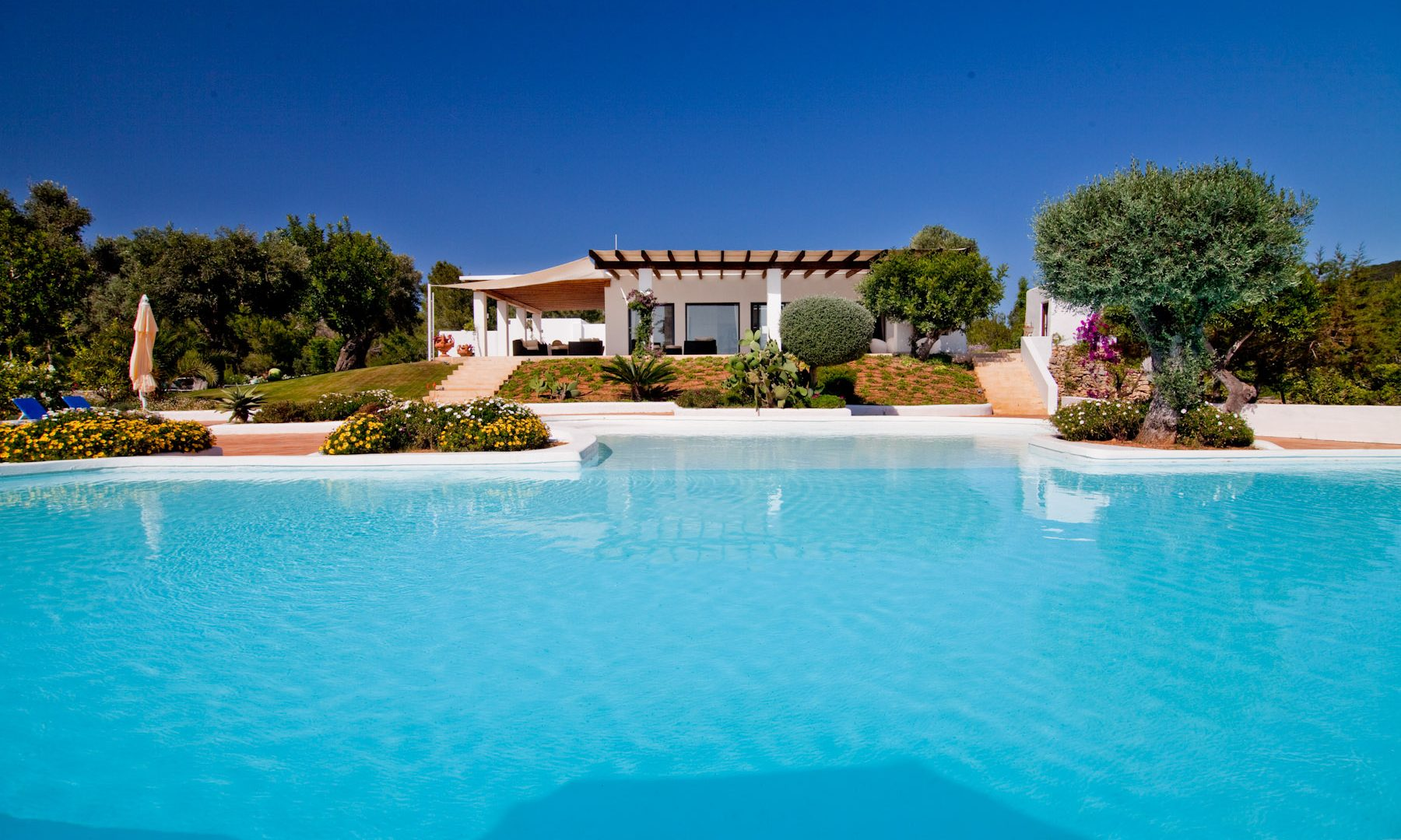 Luxury property with Dalt villa and sea views