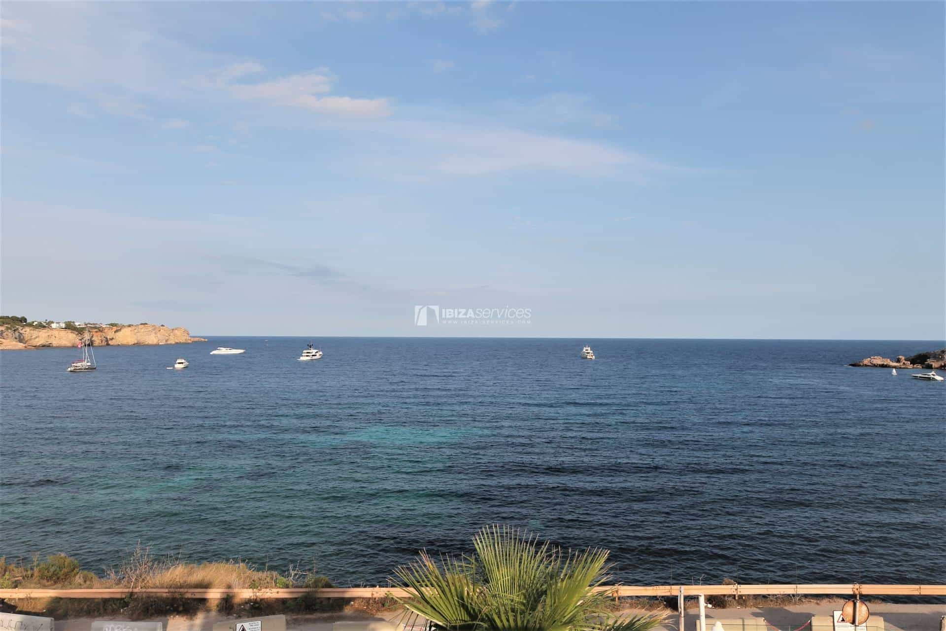 Purchase seafront house Talamanca with pool perspectiva 17