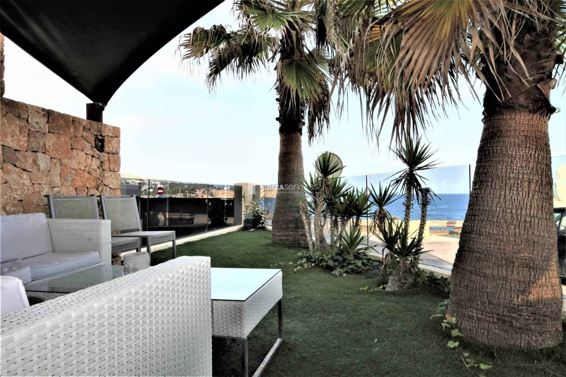 Purchase seafront house Talamanca with pool perspectiva 19