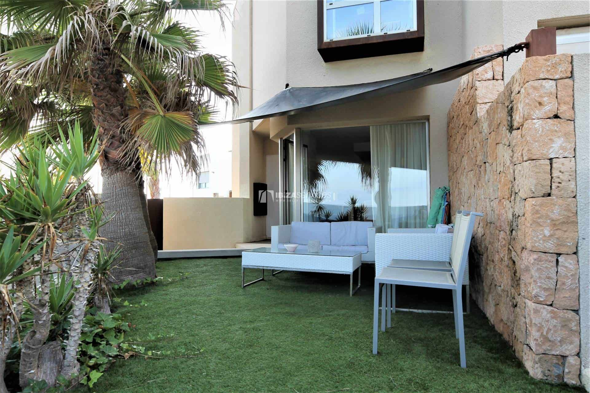 Purchase seafront house Talamanca with pool perspectiva 16