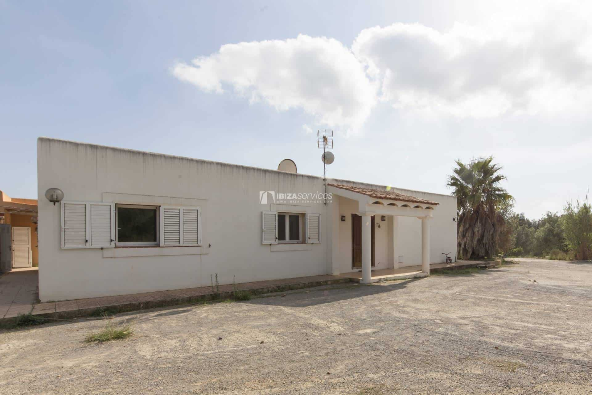 Property of 3 independent houses for sale St.Lorenzo perspectiva 8