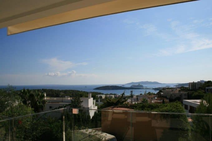 Long term rental 3 bedroom duplex Talamanca sea view