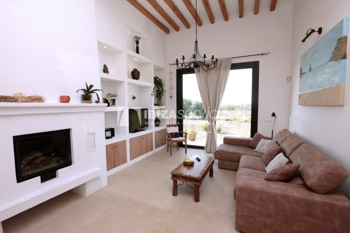 Rustic villa San Miguel 1 km from the beach perspectiva 9
